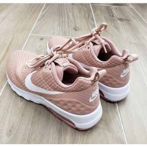 Nike Shoes - Nike Air Womens Sneakers Size 6